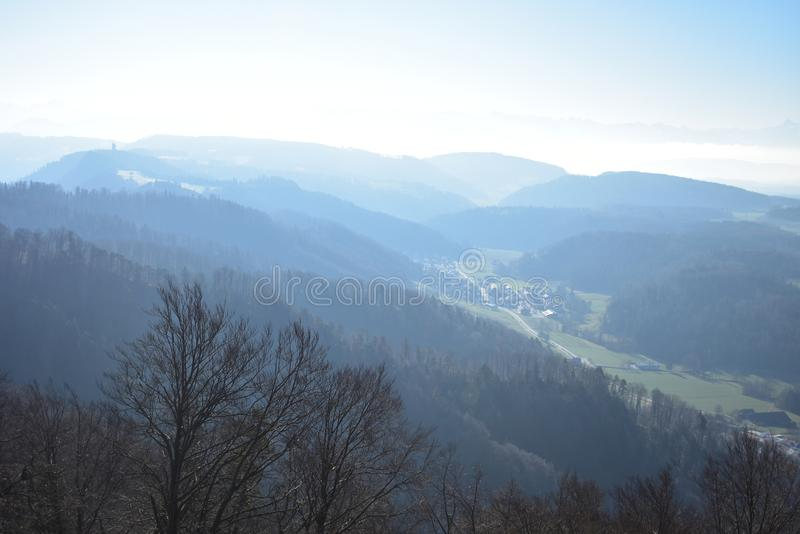 Landschaft der Schweizer Alpen von Uetliberg stockbild