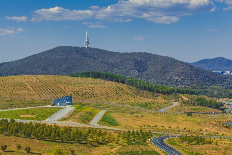Landschaft des nationalen Arboretums in Canberra stockbild