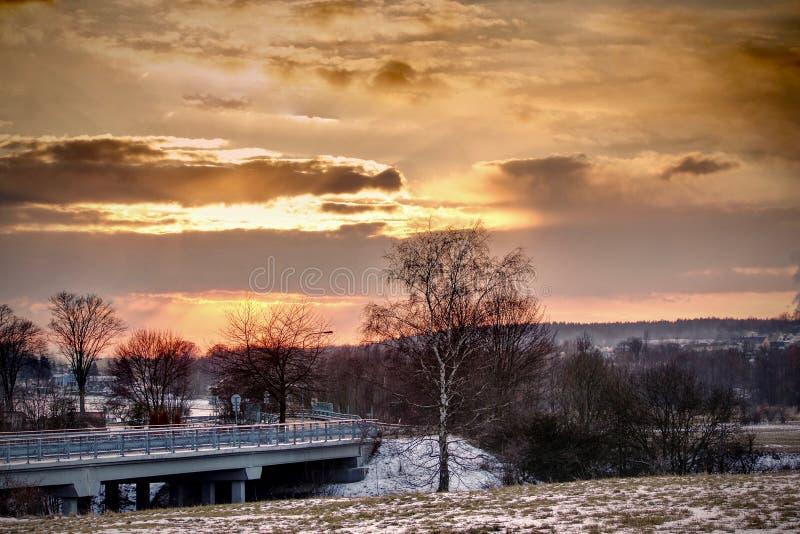 Landschaft im Sonnenuntergang stockfotografie