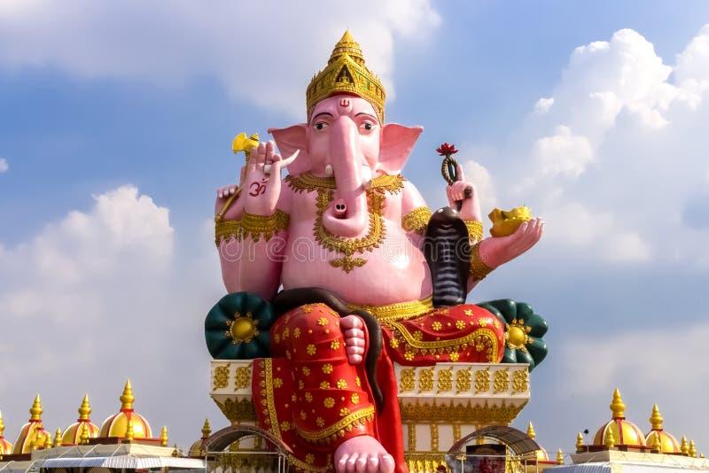 Landschaft, Markstein, Statue, Ganesh, großes, schönes Rosa, saman Tempel, Thailand am 14. September 2017 stockfotos