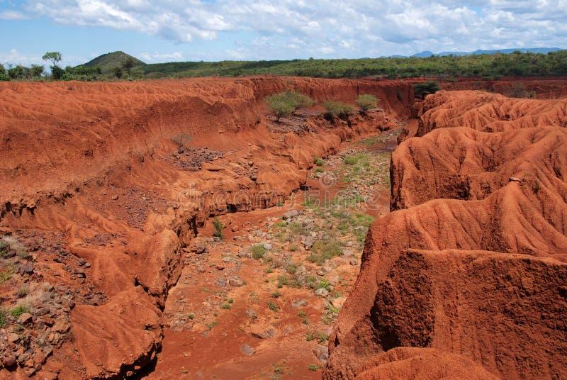 Landschaft mit Bodenerosion, Kenia lizenzfreie stockfotos