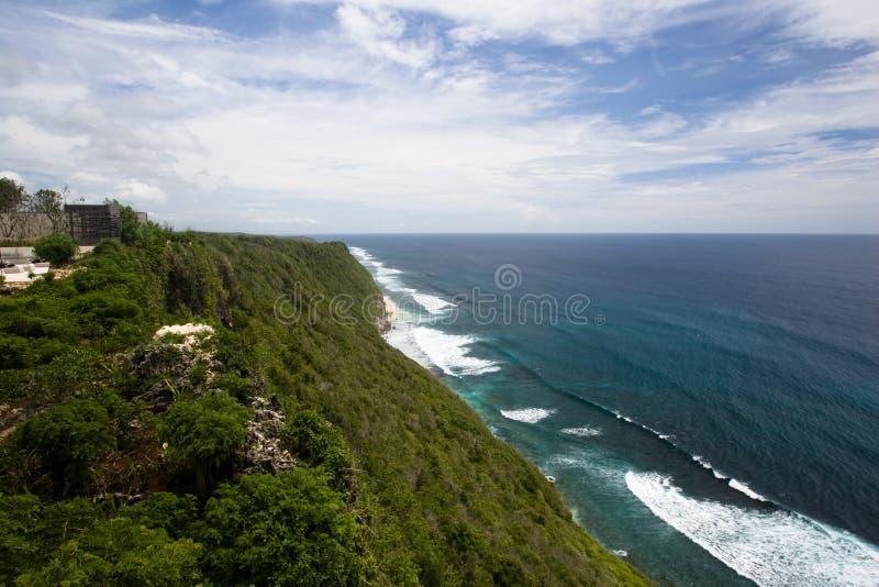Landschaft mit Klippe und Ozean stockbilder