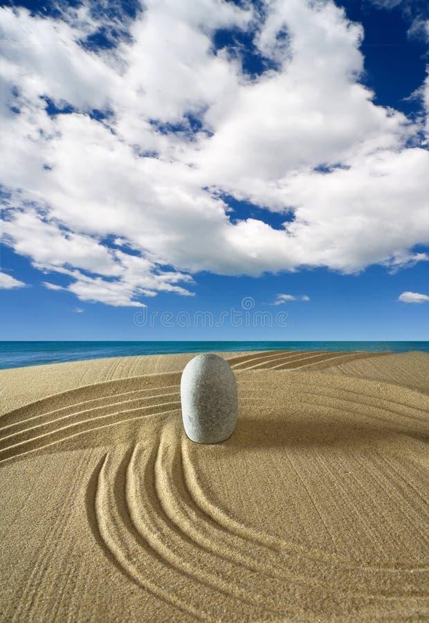 Download Landschaft Mit Steinen Auf Himmel Stockfoto - Bild von ferien, küste: 9099360
