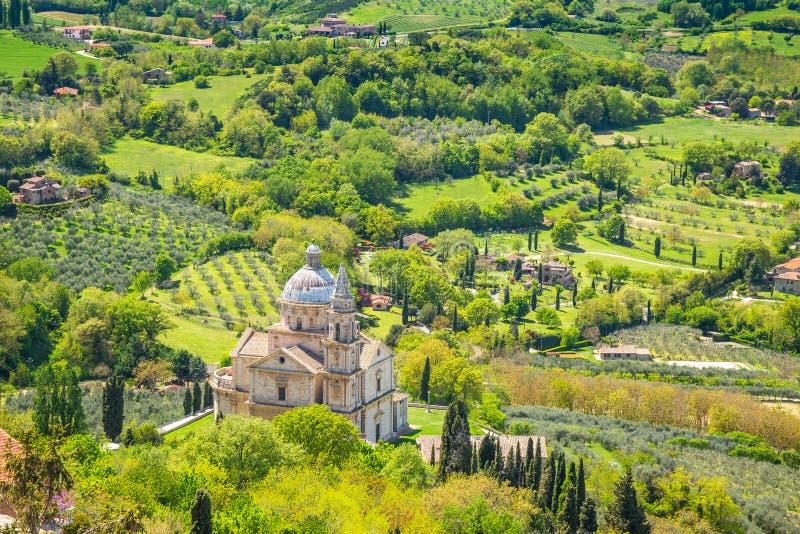 Landschaft nahe Montepulciano-Stadt in Toskana-Region von Italien stockbild