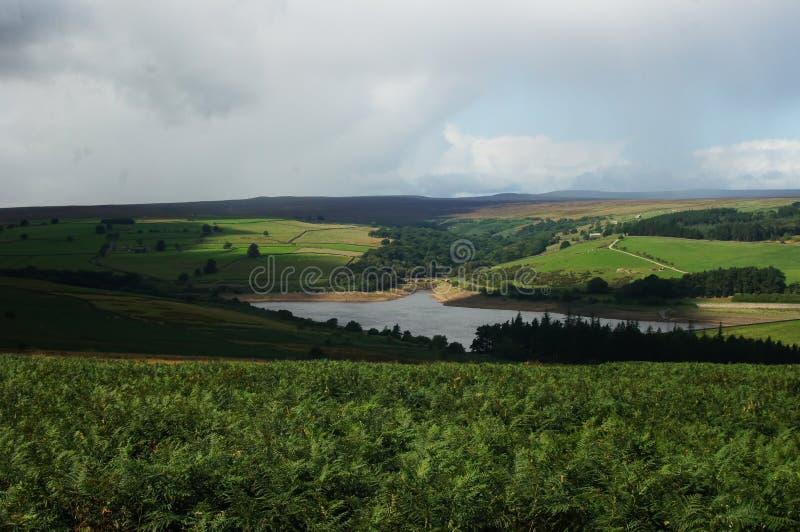 Landschaft unter Wolken in Yorkshire lizenzfreies stockbild
