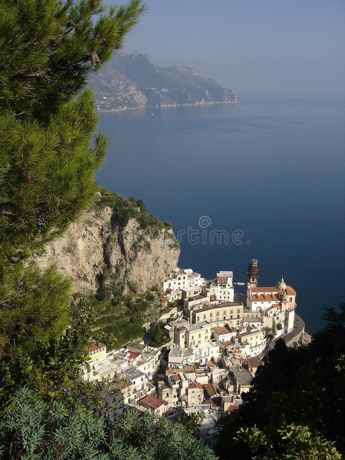 Landschaft von Atrani, Amalfi-Küste lizenzfreie stockfotos