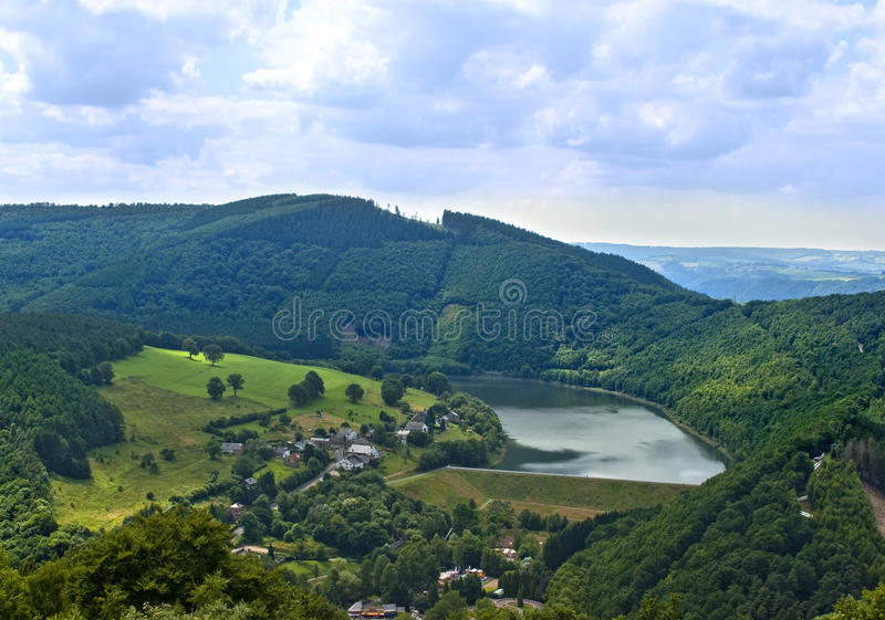 Landschaft von belgischem Ardennes lizenzfreies stockbild
