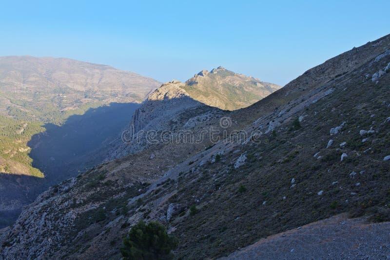 Landschaft von den Bernia-Bergen stockbild