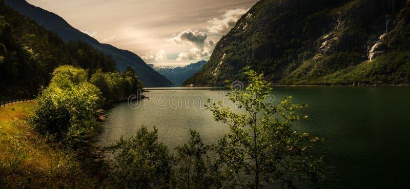 Landschaft von Eidfjord, Hardanger in Norwegen lizenzfreies stockfoto