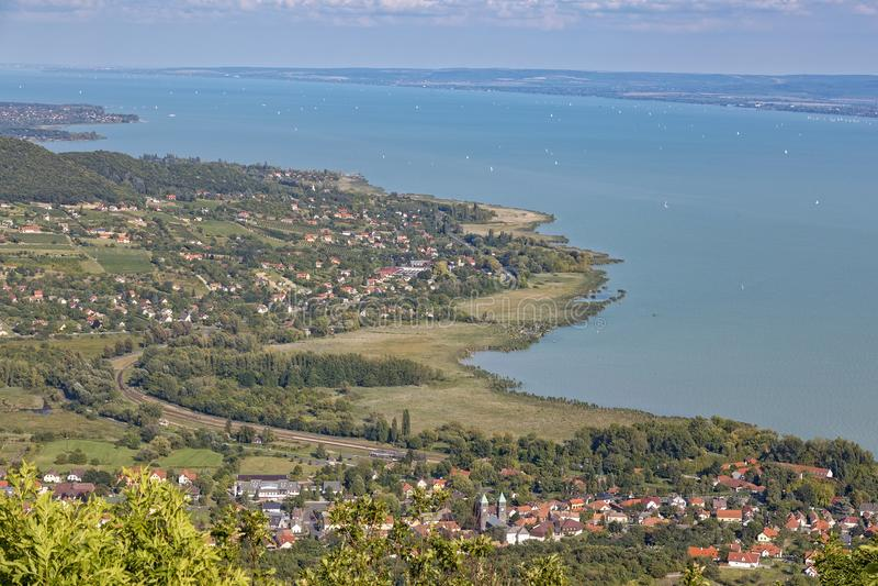 Landschaft von einem Plattensee in Ungarn stockbild
