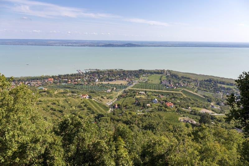Landschaft von einem Plattensee in Ungarn stockfotos