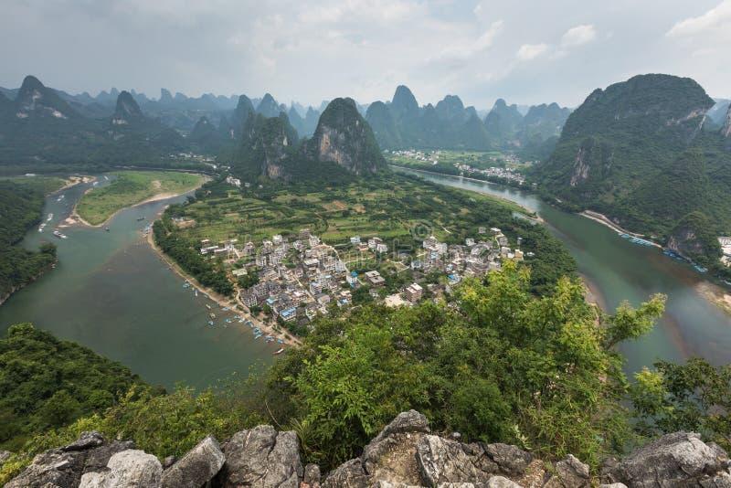 Landschaft von Guilin-, Li River- und Karstbergen Nahe gefunden lizenzfreie stockbilder