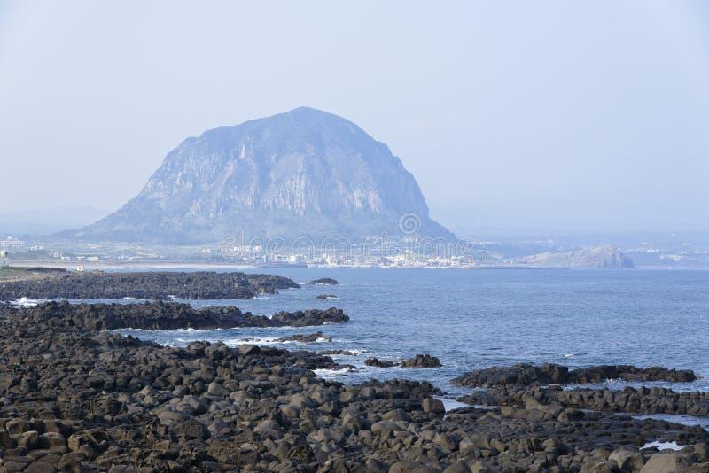 Landschaft von Küste Sanbangsan und Yeongmeori lizenzfreie stockfotografie
