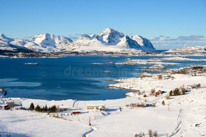 Landschaft von Lofoten-Archipel in Norwegen in der Winterzeit, Leknes-Panorama lizenzfreie stockbilder