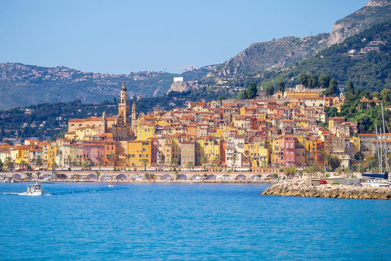 Landschaft von Menton, Cote d'Azur, Frankreich lizenzfreie stockbilder