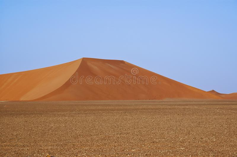 Landschaft von Sanddünen in der Wüste von Unebenheit ` Al Khali stockbilder