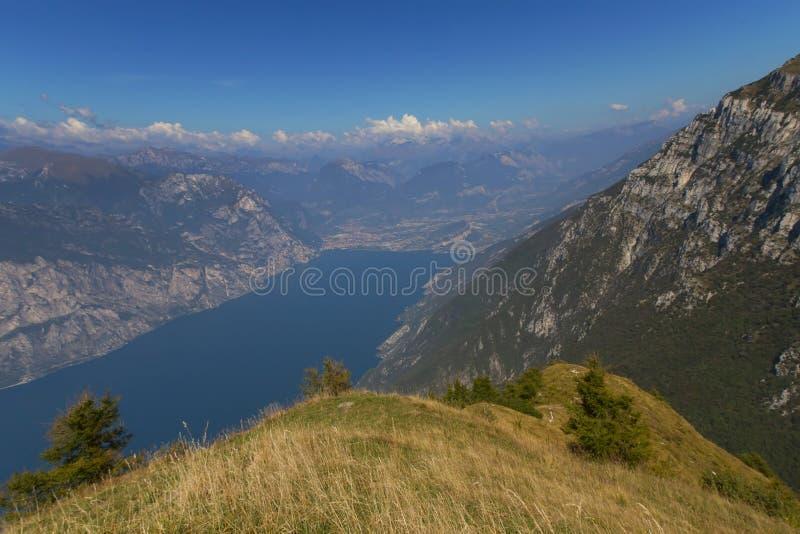 Landschaft von See Garda (Italien) stockbild