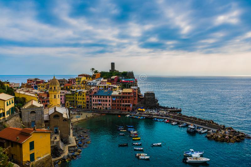 Landschaft von Vernazza Cinque Terre Italy lizenzfreie stockfotos