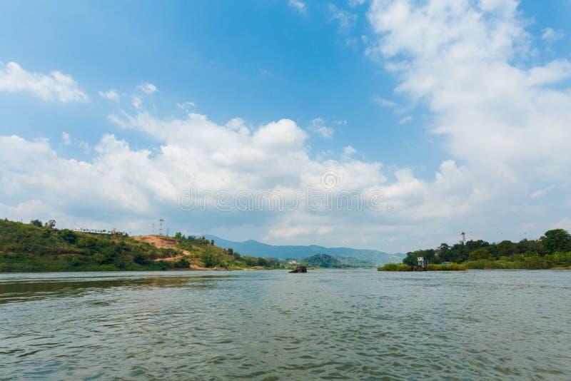 Landschaft während Megokng-Kreuzfahrt Laos stockbilder