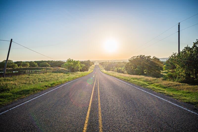 Landschaften um Weidenstadt schlingen Texas bei Sonnenuntergang stockfotografie
