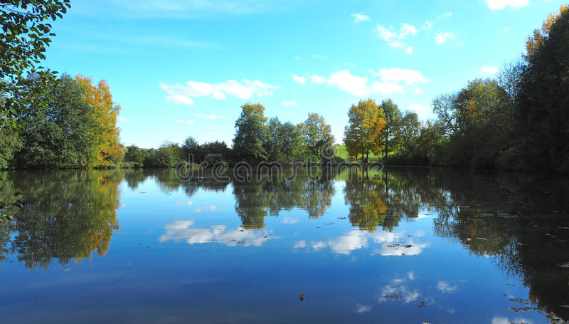 Landschafts-Reflexion stockfoto