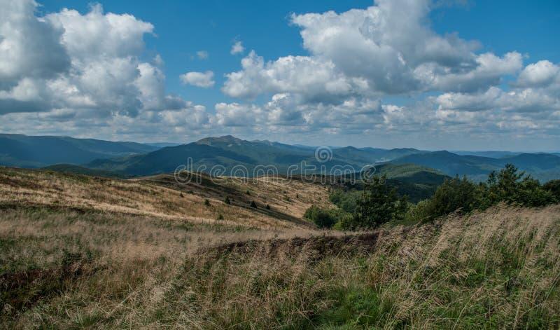 Landschaftsansicht vom Hügel stockfotografie