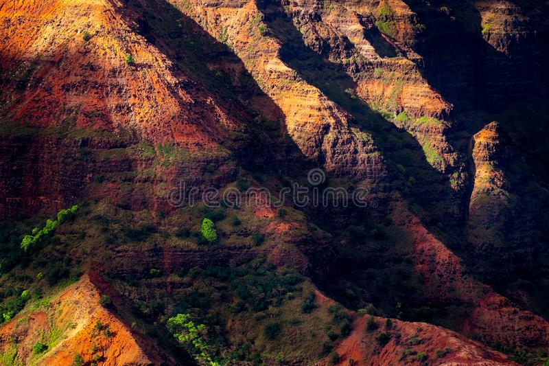 Landschaftsdetail von bunten Klippen Waimea-Schlucht, Kauai, Hawaii stockfoto