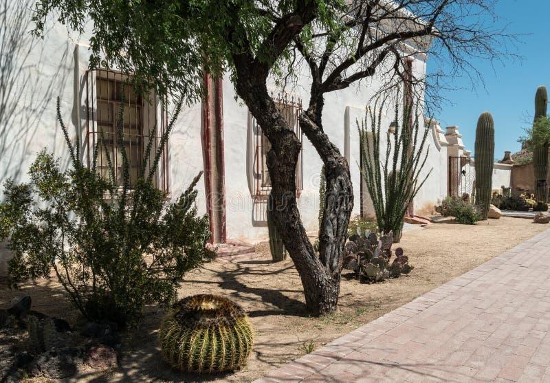 Landschaftsgestaltung, Auftrag San Xavier del Bac stockfoto