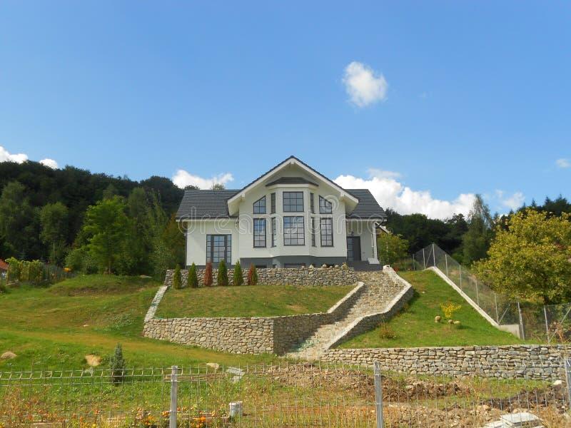 Landschaftslandhaus lizenzfreies stockfoto
