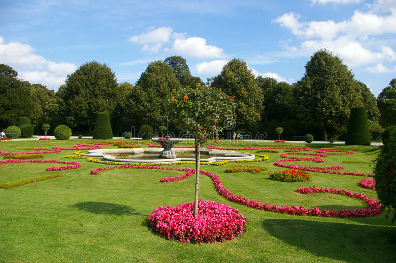 Landschaftspark des Schonbrunn Palastes stockfotos