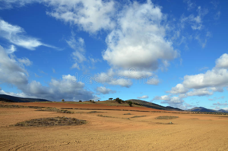 Download Landschaftspflug stockfoto. Bild von felsen, sommer, kontrast - 27731210
