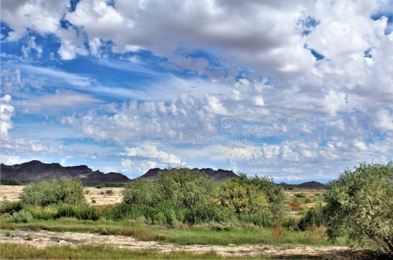 Landschaftsszenische Ansicht von Maricopa County, MESA, Arizona zu Pinal County, Florence Junction, Arizona lizenzfreie stockfotos