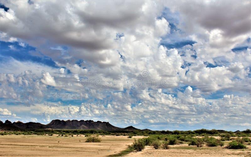 Landschaftsszenische Ansicht von Maricopa County, MESA, Arizona zu Pinal County, Florence Junction, Arizona lizenzfreies stockbild