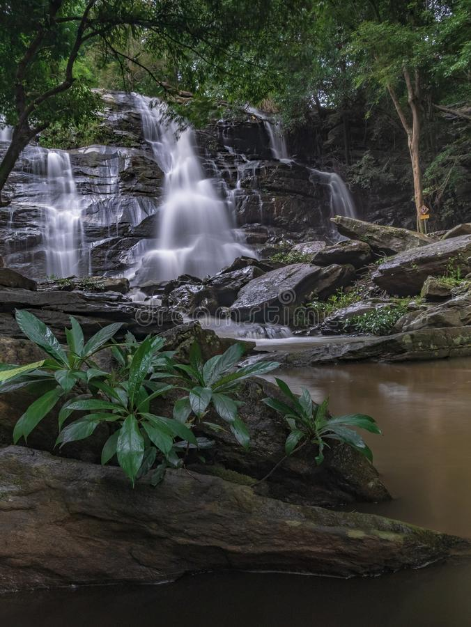 Landschaftsungesehene Thailand-Wasserfallnaturansicht stockfotografie