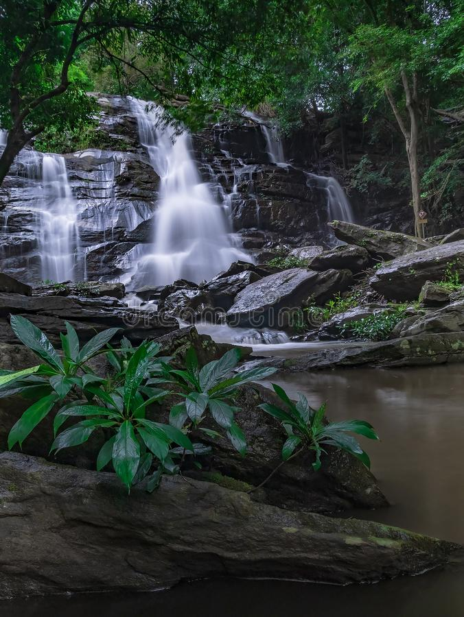 Landschaftsungesehene Thailand-Wasserfallnaturansicht stockbild