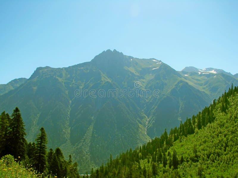 Landschap Bergen en valleien stock afbeelding