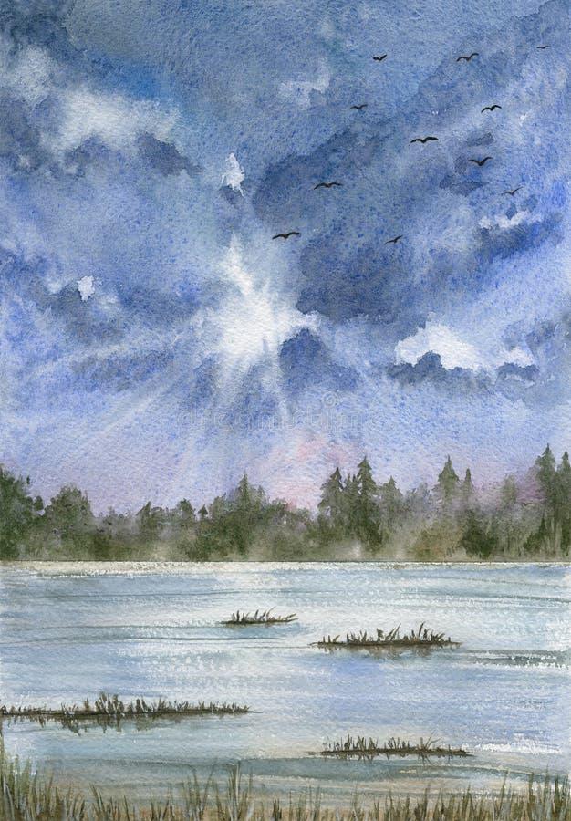 Landschap met blauwe bewolkte hemel, uitgestrektheid van water en bos stock fotografie