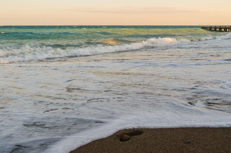 Landschap met mooie de toevluchtkust van de Zwarte Zee stock foto