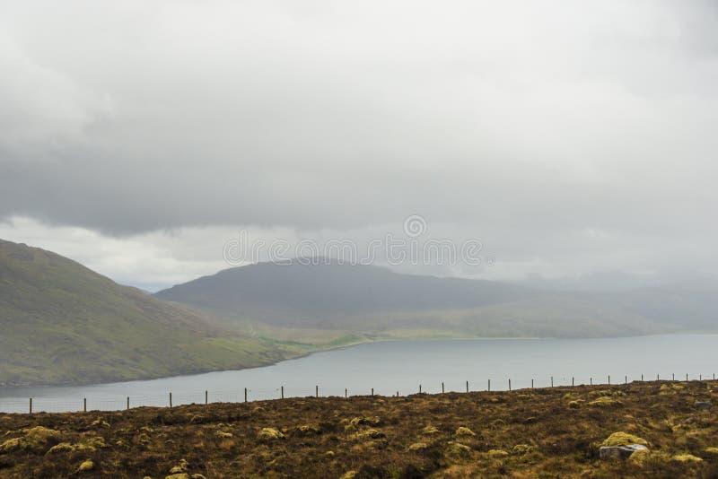Landschap op de weg aan Gairloch, wester Ross royalty-vrije stock afbeelding