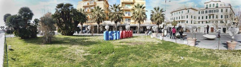 Landschap van Anco Marzio Square bij het district van Ostia Lido op het overzees van Rome - Italië royalty-vrije stock foto