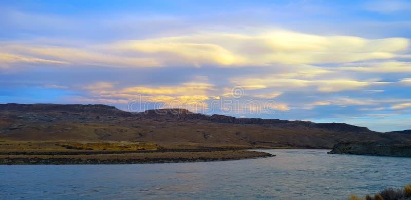 Landschap van Argentijns Patagonië langs Ruta 40 dichtbij Gr Calafate stock foto's