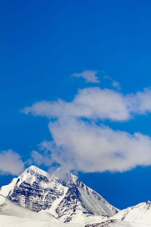 Landschap van berg op Qinghai-Plateau, China stock foto