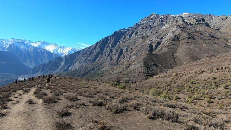 Landschap van bergen en vallei stock afbeeldingen