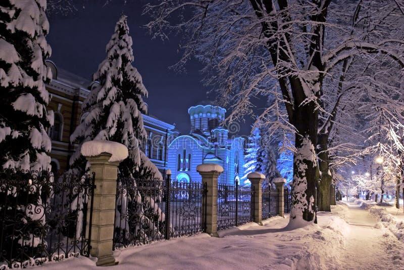 Landschap van de Heilige kerk van de Drievuldigheid in Banja Luka stock fotografie