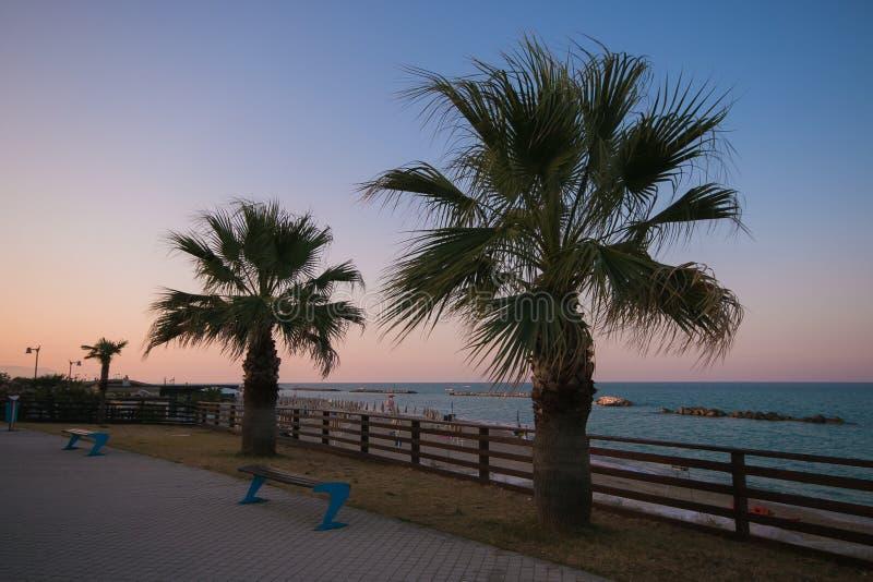 Landschap van de kust van Potenza Picena bij zonsondergang stock afbeelding