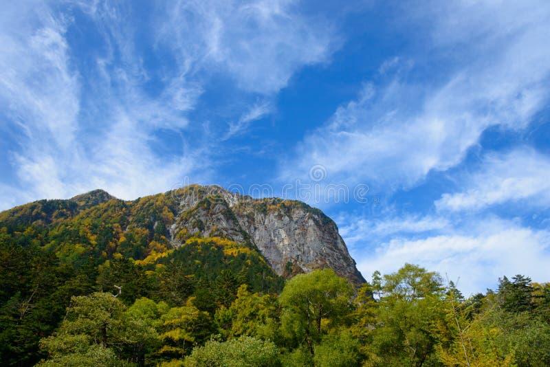 Landschap van de Noordelijke Alpen van Japan stock afbeelding