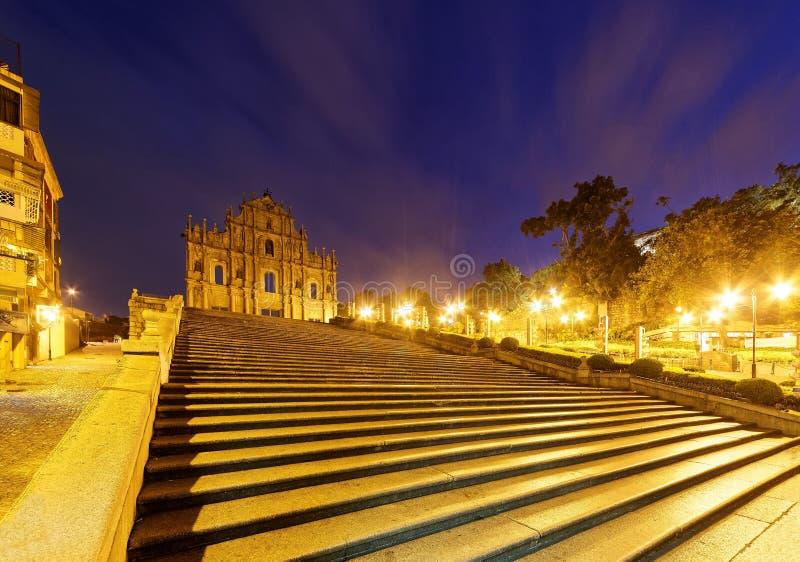 Landschap van de Ruïnes van St Paul Kerk in het Historische Centrum van Macao, China stock foto's