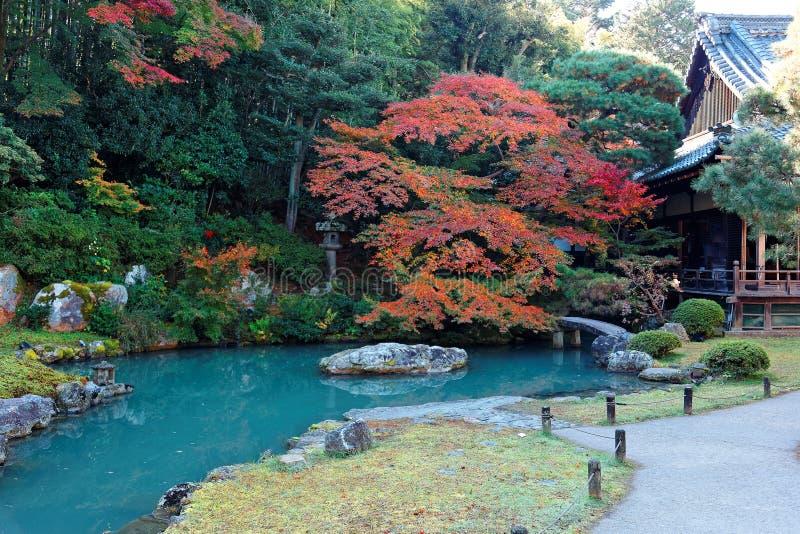 Landschap van een Japanse tuin in shoren-binnen, een beroemde Boeddhistische tempel in Kyoto Japan stock foto