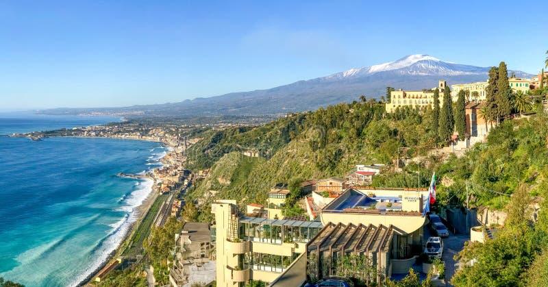 Landschap van Etna Volcano dat van Taormina wordt gezien royalty-vrije stock fotografie