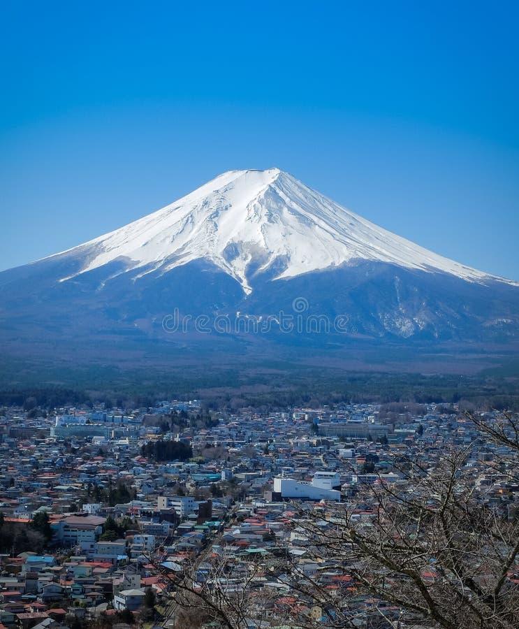 Landschap van Fuji-Berg in Fujiyoshida japan stock foto's